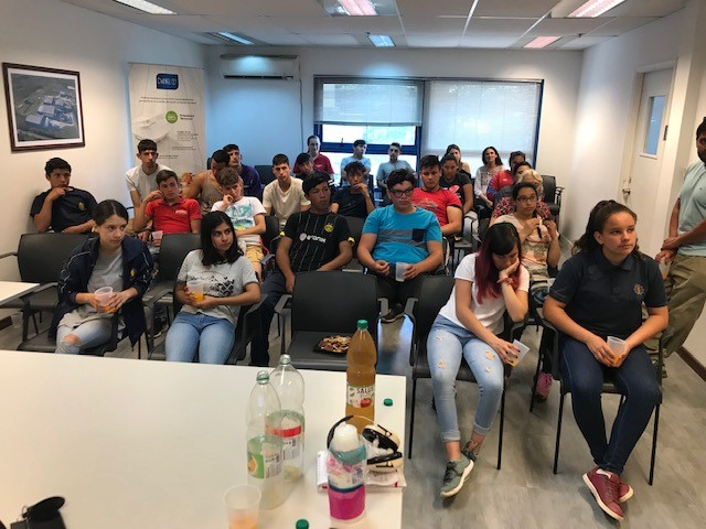 COMPROMETIDOS CON LA EDUCACIÓN APOYANDO A FE Y ALEGRÍA URUGUAY