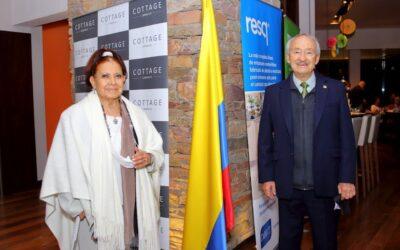 LOS EMPAQUES resq® DE DARNEL EN EL FESTIVAL DE COCINA COLOMBIANA EN URUGUAY.